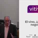 Ponencia de Xavier Ybargüengoitia sobre si el vino es negocio o placer en la jornada Vitivin Penedès